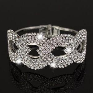 Jewelry - Silver Rhinestone Women Bracelet